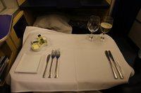 ②ANAファーストクラスで行くシンガポール 洋食の機内食~空の上のフルコース~