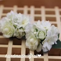 白い小花の天然石コサージュ②