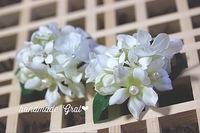 純白小花の天然石ヘアゴム♡