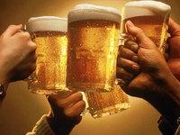 他人をより面白い人間にするために、私は酒を飲む