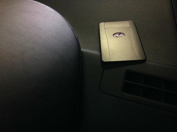 スマートキー追加作業もできます。レクサスHS250h カードタイプ!