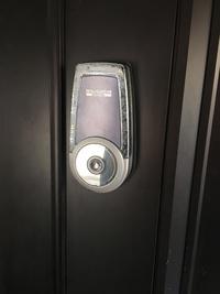 カード&番号認証式電池錠もお取り扱いしています。