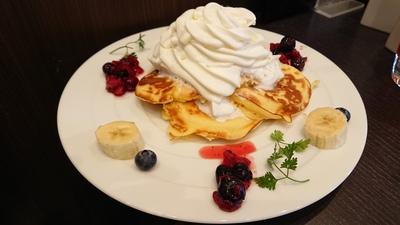 生クリームたっぷりのパンケーキでランチ(#^^#)【えびす珈琲】