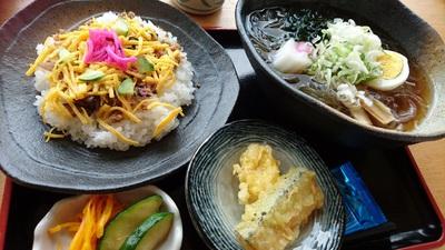 山岡のおばあちゃん市のちらし寿司がまた食べたい!(#^^#)