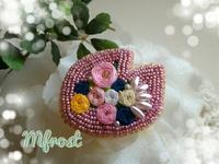 もう一つの桜ブローチ☆今度は刺繍多めのビーズでキラキラ