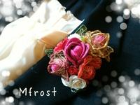 和紙のバラとロザフィ&オルネフラワーのコサージュ