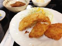 岡崎シビコ内、喫茶店リズムの日替わりランチ「ふわふわ白身魚フライ」でした。 2014/11/04 22:00:00