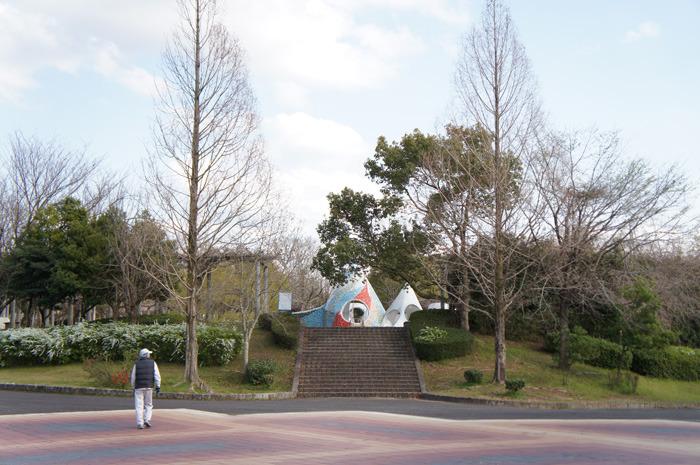 豊田市運動公園で、子ども連れてお花見♪お散歩コースとしてもいい感じ。