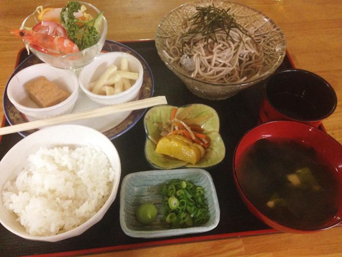 岡崎シビコ内「たこでん」のそば定食にちょっとビックリ