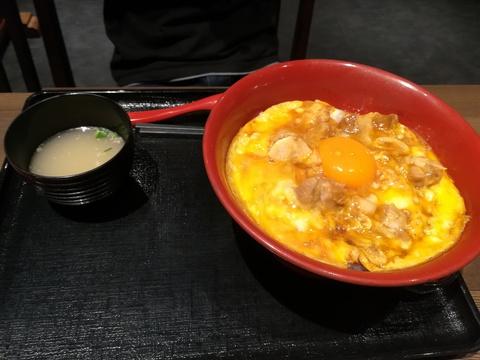 名古屋丸八食堂で晩ご飯を食べよう(^.^)