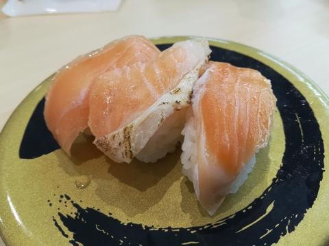 はま寿司でケーキを食べようq(^-^q)