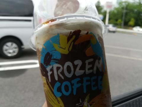 LAWSONのマチカフェフローズンコーヒー (^.^)