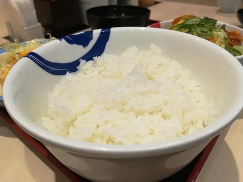 松屋のチーズタッカルビを食べよう(^-^)/
