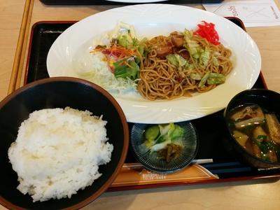 キッチンみよ志で焼そばランチ(*T^T)