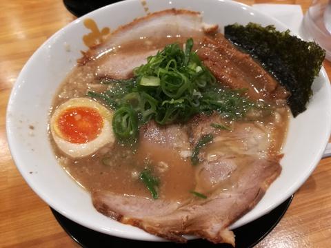 麦笑ラーメンで豚骨らーめんを食べよう(*^-^)