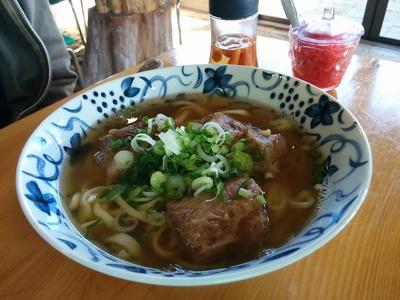 沖縄カフェでお昼ご飯(^.^)