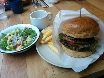 cafe&diner JANTIQUEでハンバーガーランチ(^.^)