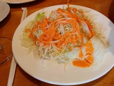 ウッタムカレーでナン食べました(^_^)v