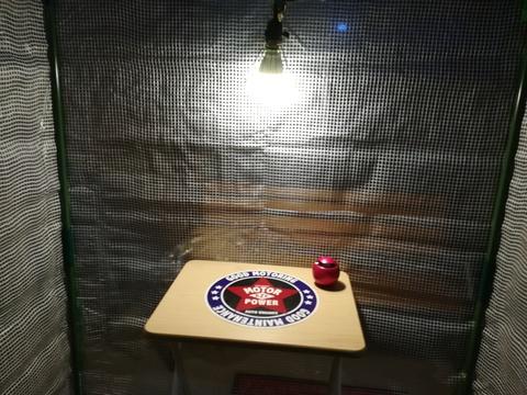 ビニール温室ハウスを塗装ブースに(^.^)