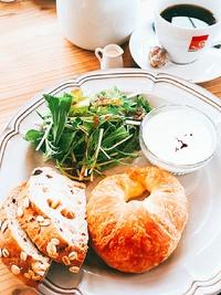 COROLO CAFEさんのレギュラーモーニング&季節のパフェ (みよし市)