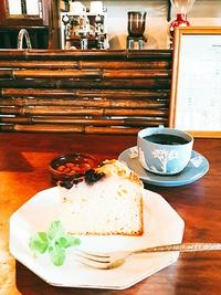 レモンチーズケーキとアイス カフェ・ジュレオ・レ by uchi coffee(ウチコーヒー)さん (岡崎市)