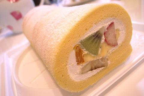 ラポールのロールケーキ