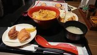 マルハチ食堂でランチ(^-^)/