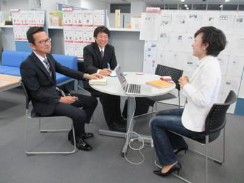 上地自動車学校の神谷さんと中田さん