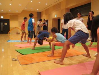 スポトレ☆キッズヨガのプチ体験フェスタ開催!AIKIDSの上田さん