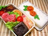 12/5 柔らか角煮とかわいぃ味噌漬け薔薇のお弁当☆ 2012/12/05 08:05:38