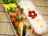 2月15日 ミニ小梅のお花de彩りおかずのお弁当☆ 2012/02/15 10:56:17