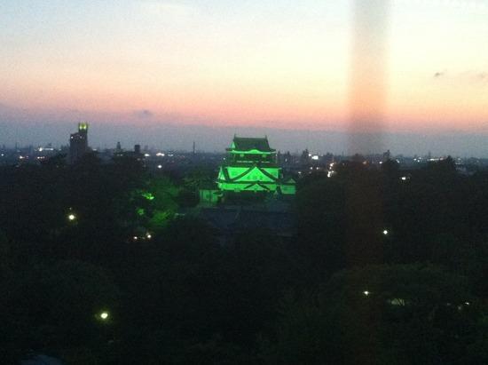 夕暮れ時の岡崎城