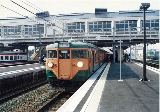 新駅舎の岡崎駅