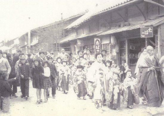 藤川むかし写真館⑧称名寺の稚児行列