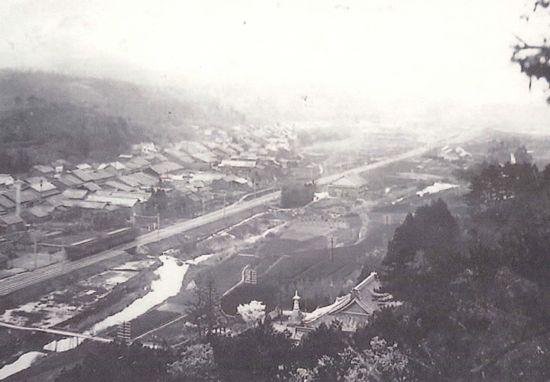 藤川むかし写真館⑮「弘法山」からの藤川遠景(昭和10年代)