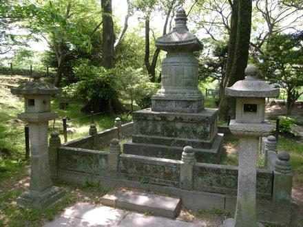 岡崎公園-えな塚