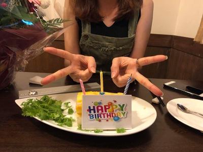 宴会、お誕生日会、特別デザートマンゴチーズケーキご利用できます。