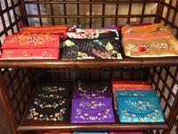 ベトナムの手作り刺繍バック販売しています!