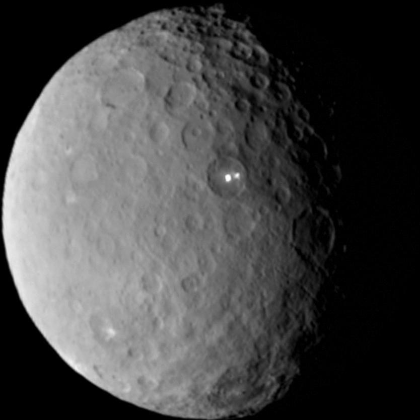 準惑星ケレス~いよいよ謎が解明される?