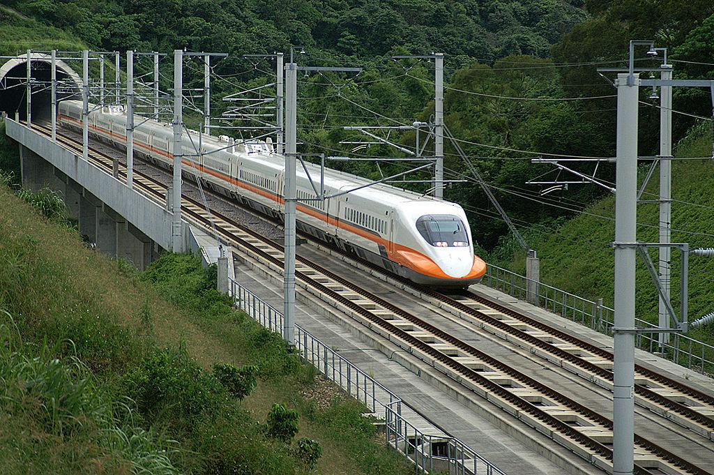 世界の高速鉄道~表定速度ナンバー1はどこの国?