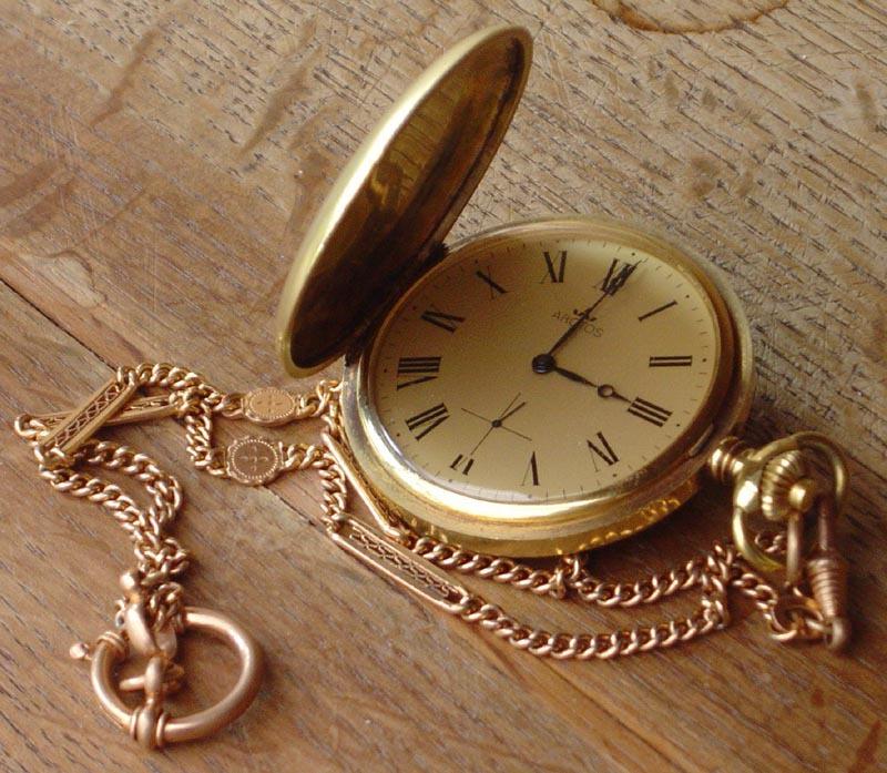 自作の時計~逮捕されたと思ったらあの人から招待状!