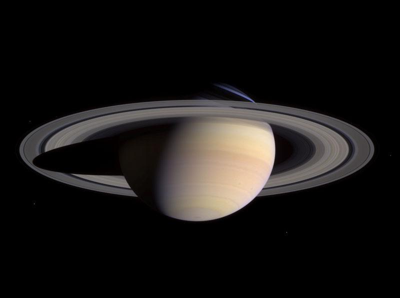 土星で大あらし!?