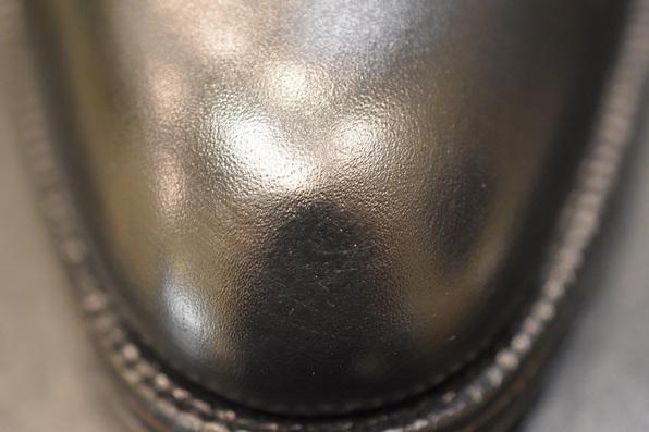 靴のキズ補修