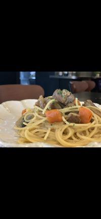 豚肩ロース肉と香味野菜の白ワイン煮 スパゲッティ