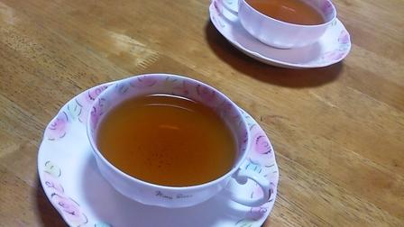 百年紅茶は「緑茶派」でも飲める紅茶でした。