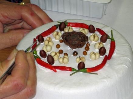葉っぱや木の実でケーキ作り(飾り用)