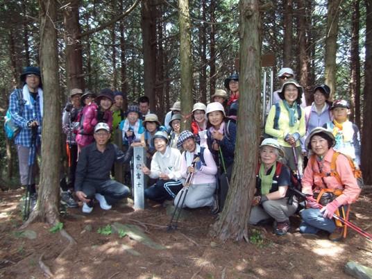 山頂は大展望!「音羽富士トレッキング」を開催しました!