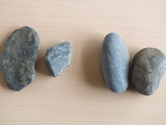 何に見えるかな?川の石でストーンペイント体験