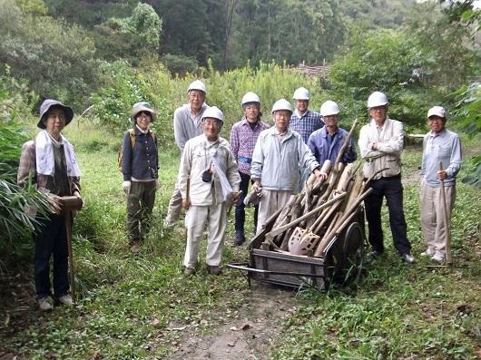 「つつじの里」の木製階段補修~「きこりの会」活動レポート