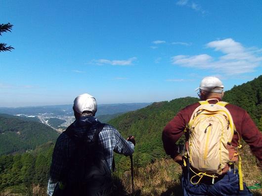 秋の里山を満喫!ホタルの里の山歩きイベントを開催しました